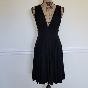 White House Black Market deep V knit dress size 00